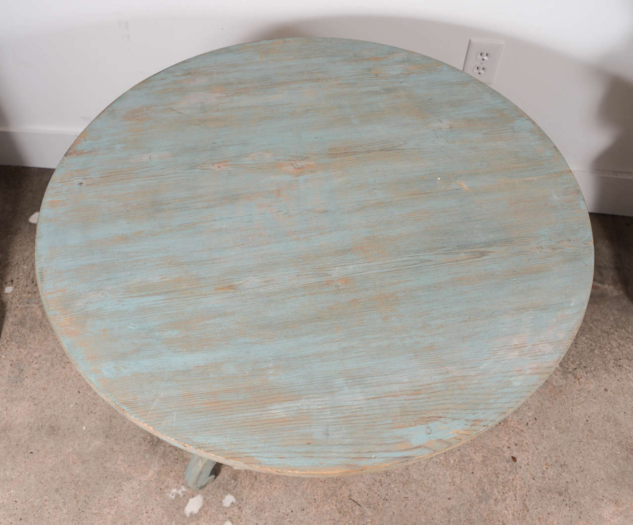 19th Century Blue Painted Swedish Pedestal Table In Excellent Condition In Houston, TX