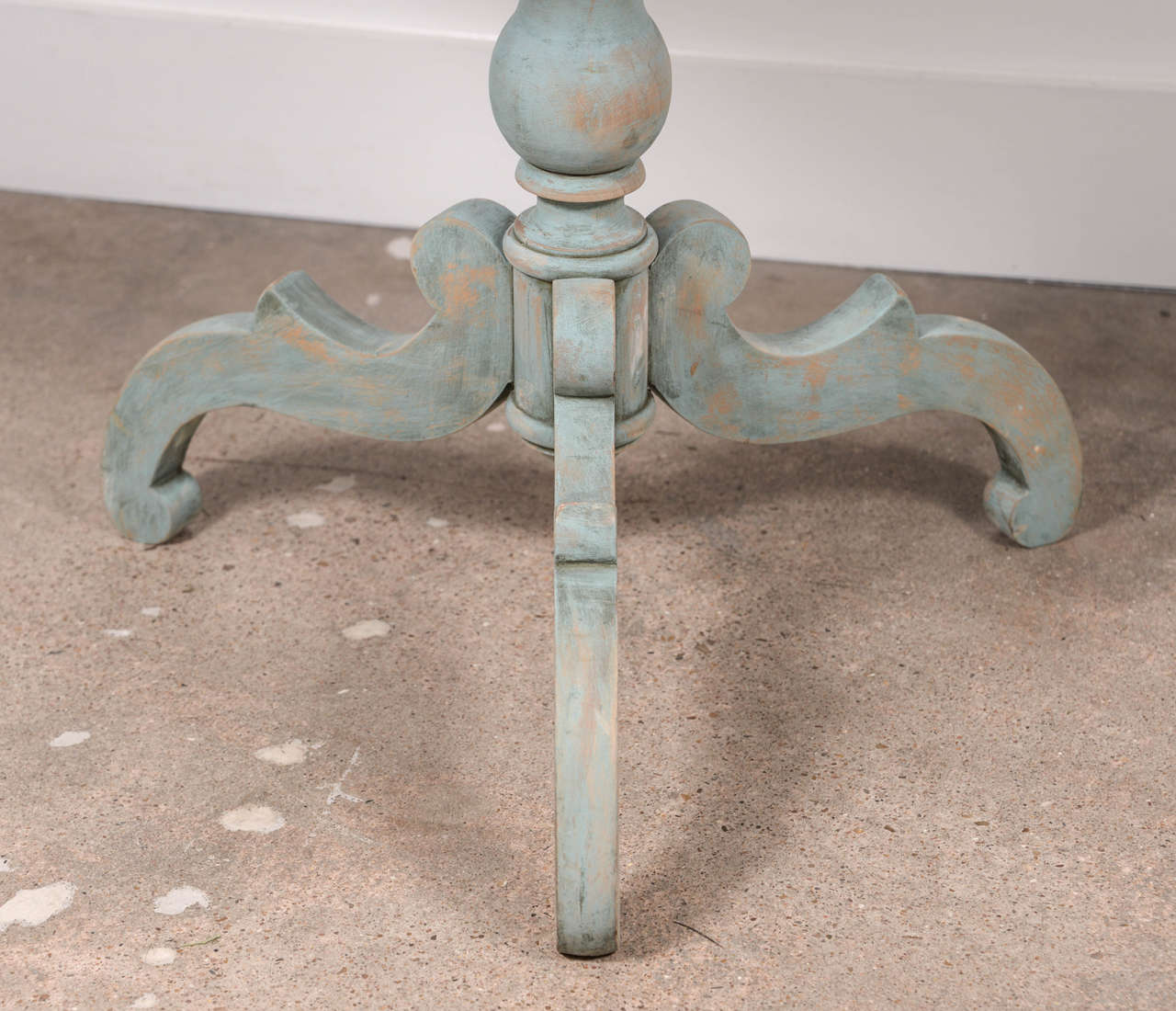 19th Century Blue Painted Swedish Pedestal Table 1