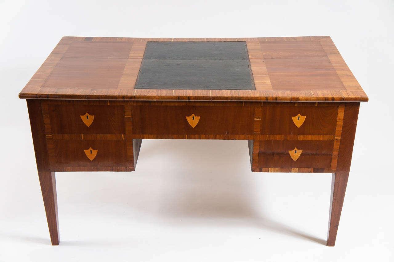Northern italian biedermeier double sided desk or bureau for Bureau original
