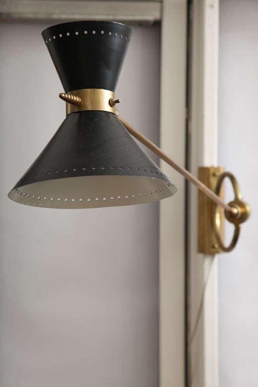 1950s, French Articulated Wall Light In Good Condition For Sale In New York, NY