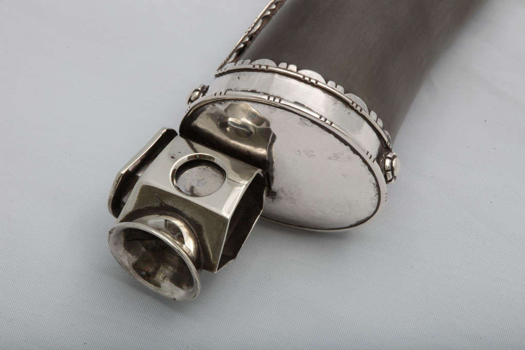 Continental Silver-mounted Horn Cigar Cutter In Excellent Condition In New York, NY