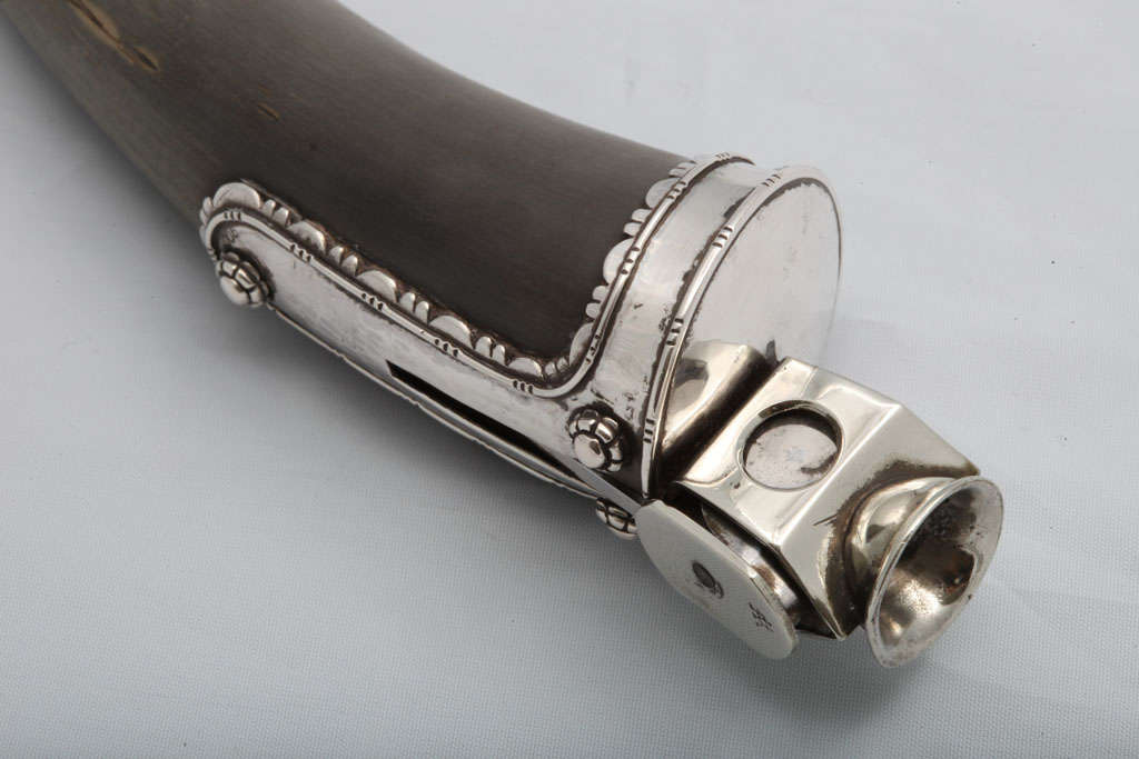 20th Century Continental Silver-mounted Horn Cigar Cutter