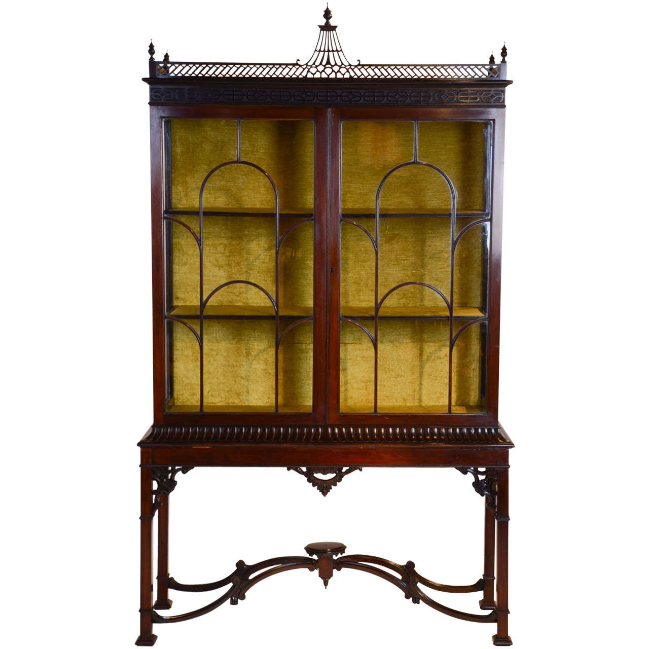 Ordinaire A Centennial Chinese Chippendale Display Cabinet. For Sale