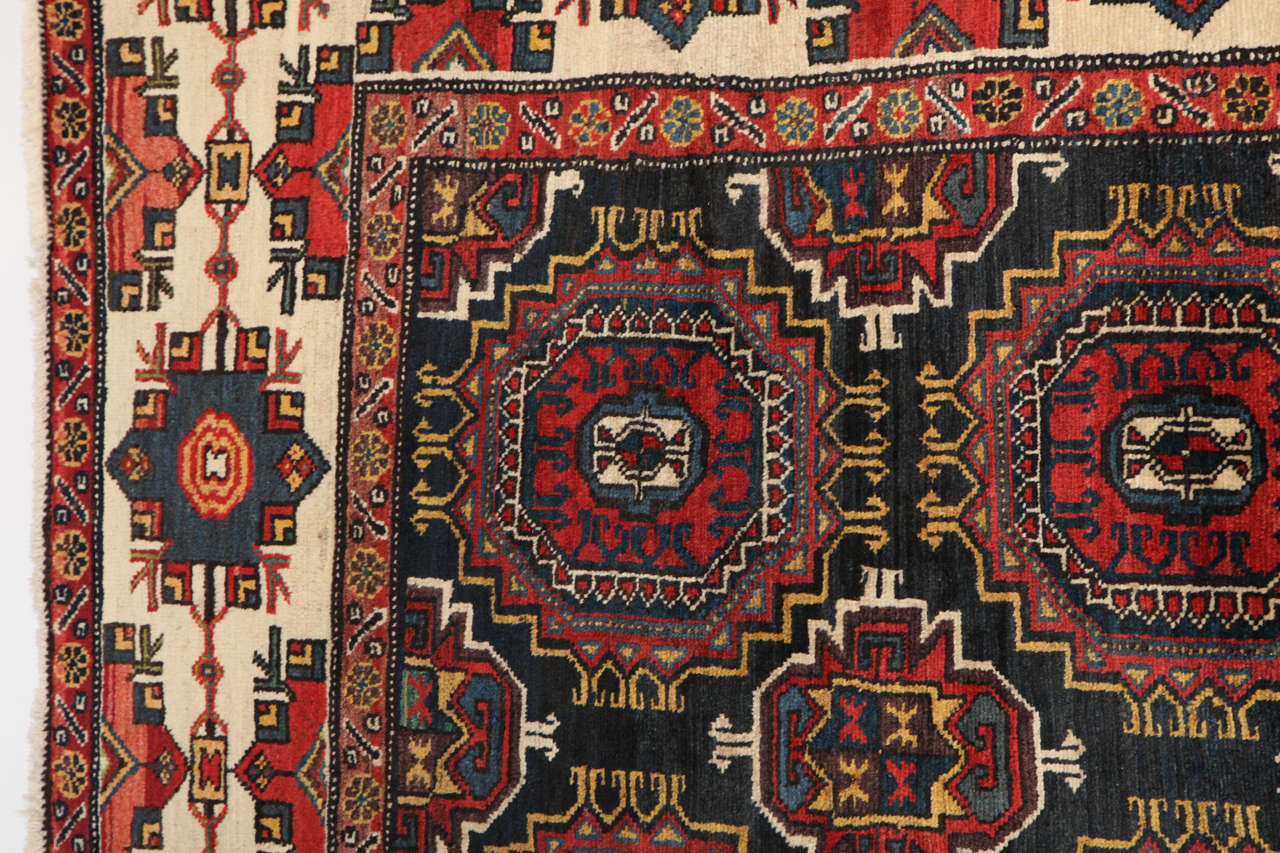 Persian Amal Ziegler Bakhtiari Carpet, circa 1890 For Sale 3