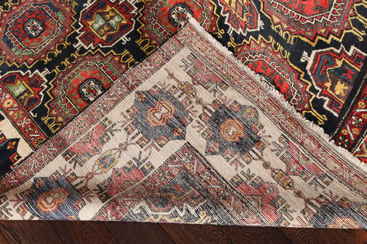 Persian Amal Ziegler Bakhtiari Carpet, circa 1890 For Sale 4