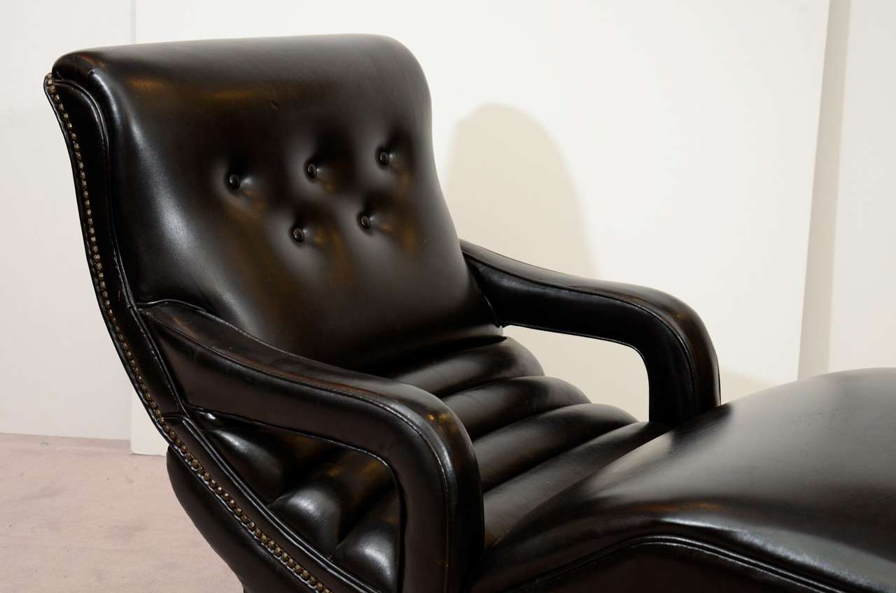 Mid century reclining chaise lounge in black leather at for Chaise lounge black friday sale