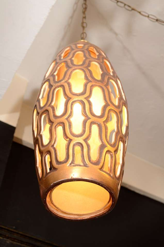 Mid Century Gilt Metal Cylindrical Lantern In Good Condition For Sale In New York, NY