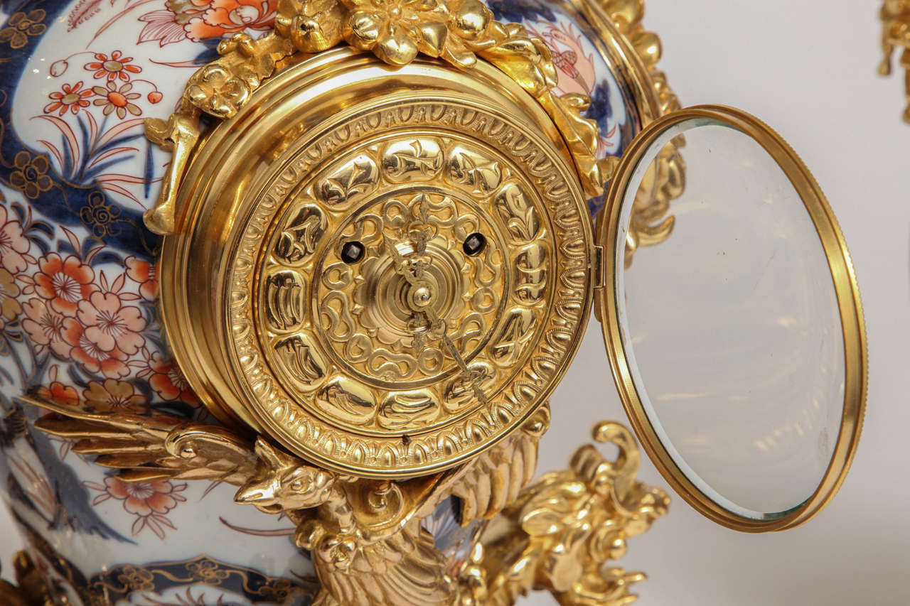 Antique French Chinoiserie Ormolu and Porcelain Three-Piece Clock Graniture For Sale 2