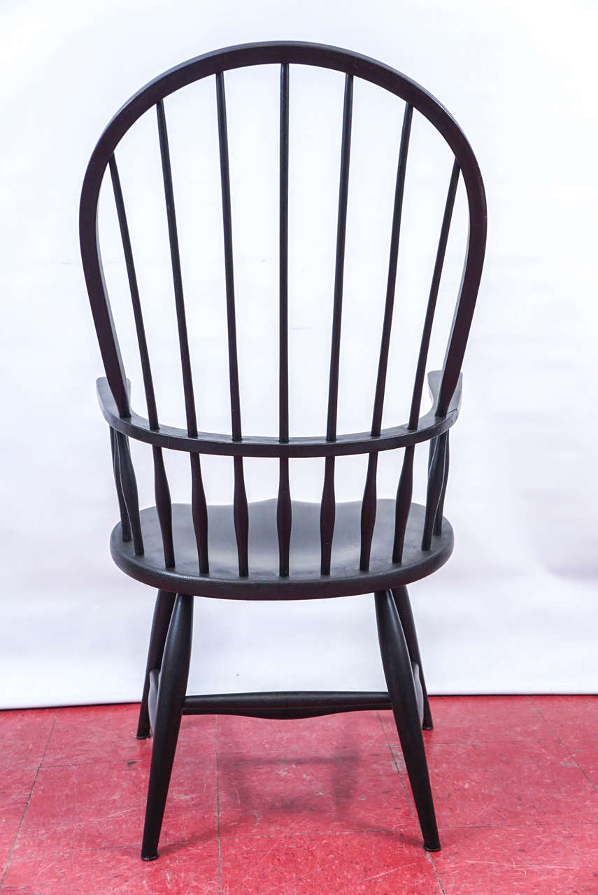 Four American Windsor Armchairs In Good Condition In Great Barrington, MA