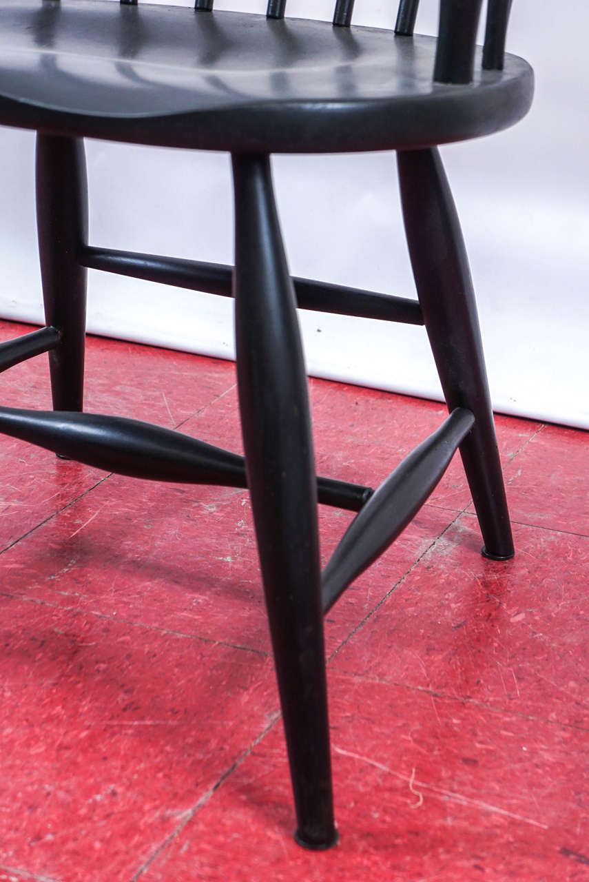 Four American Windsor Armchairs 2