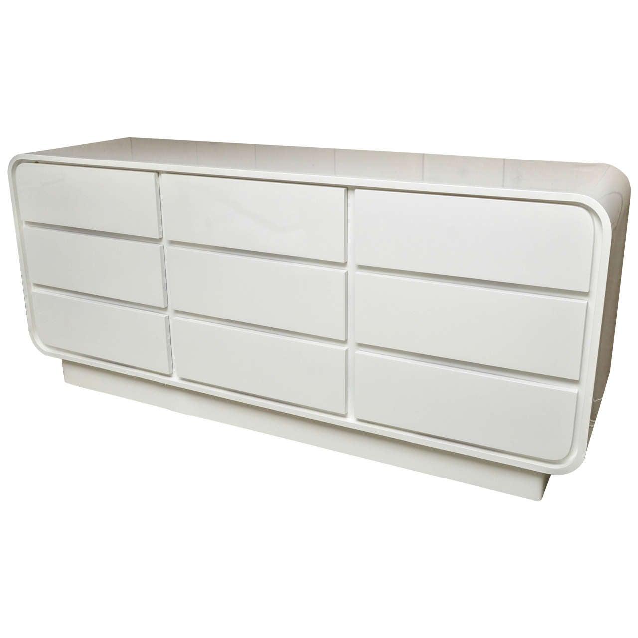 attractive vintage white lacquer nine drawer commode at 1stdibs. Black Bedroom Furniture Sets. Home Design Ideas