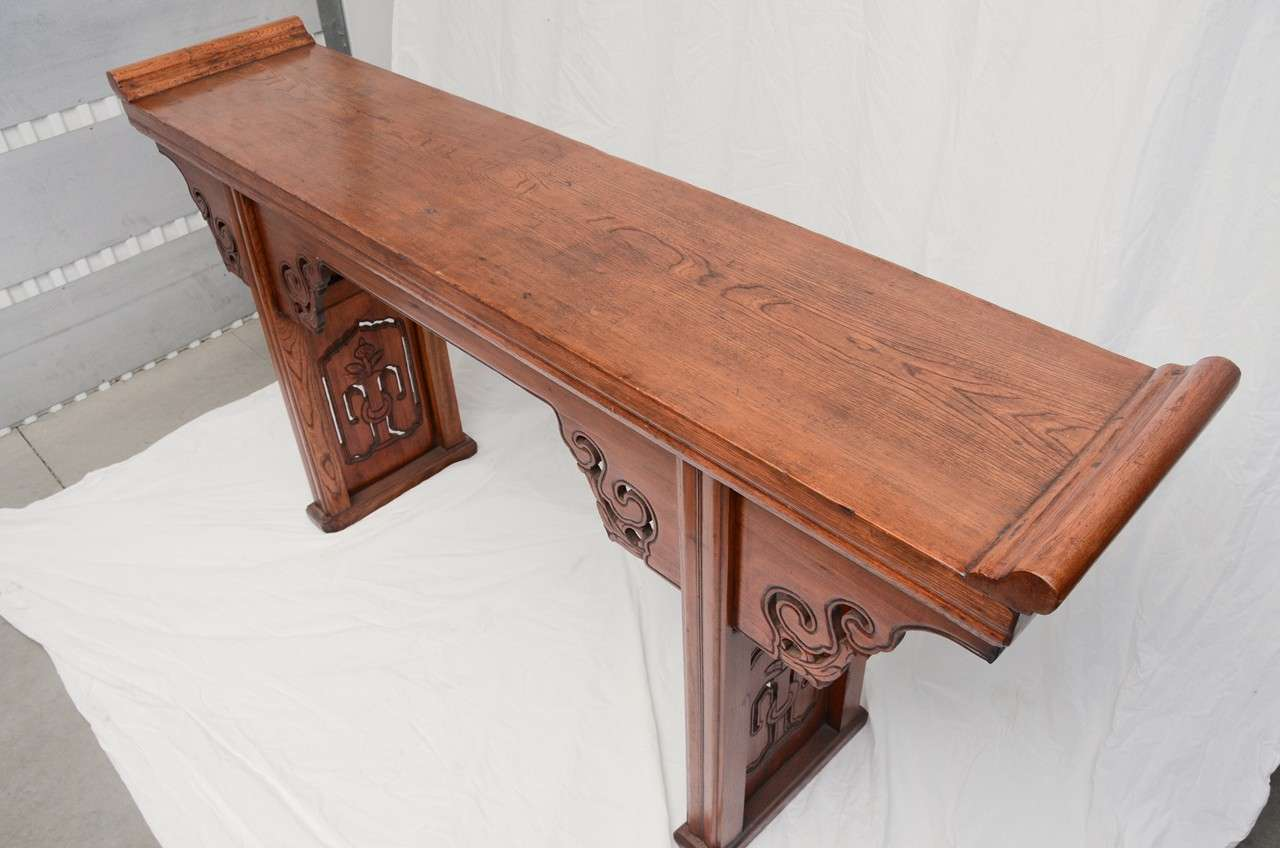 Early 19thC. Q'ing Dynasty French Polished Jumu Wood Scrolled Top Altar Table For Sale 1