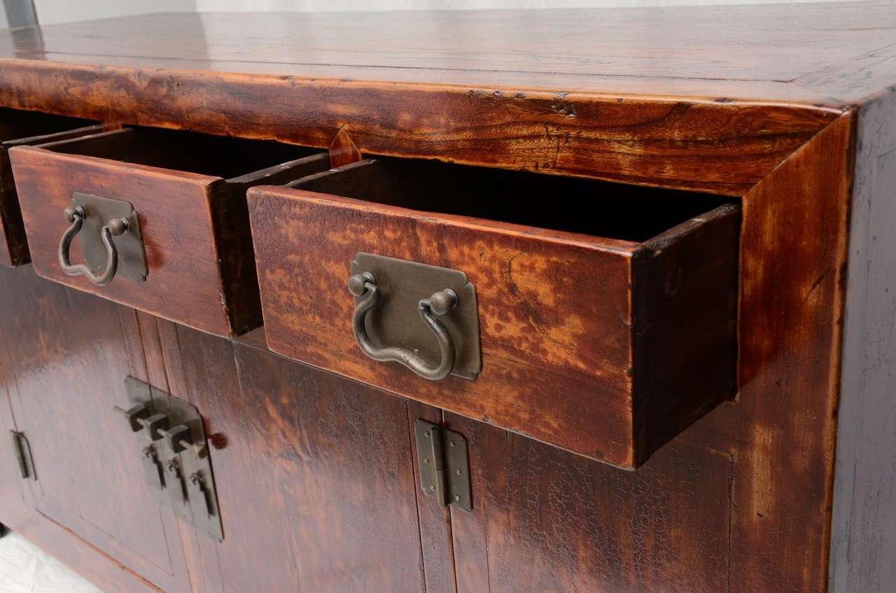 Early 19th Century Qing Dynasty Beijing Four-Drawer Southern Elm Buffet 4