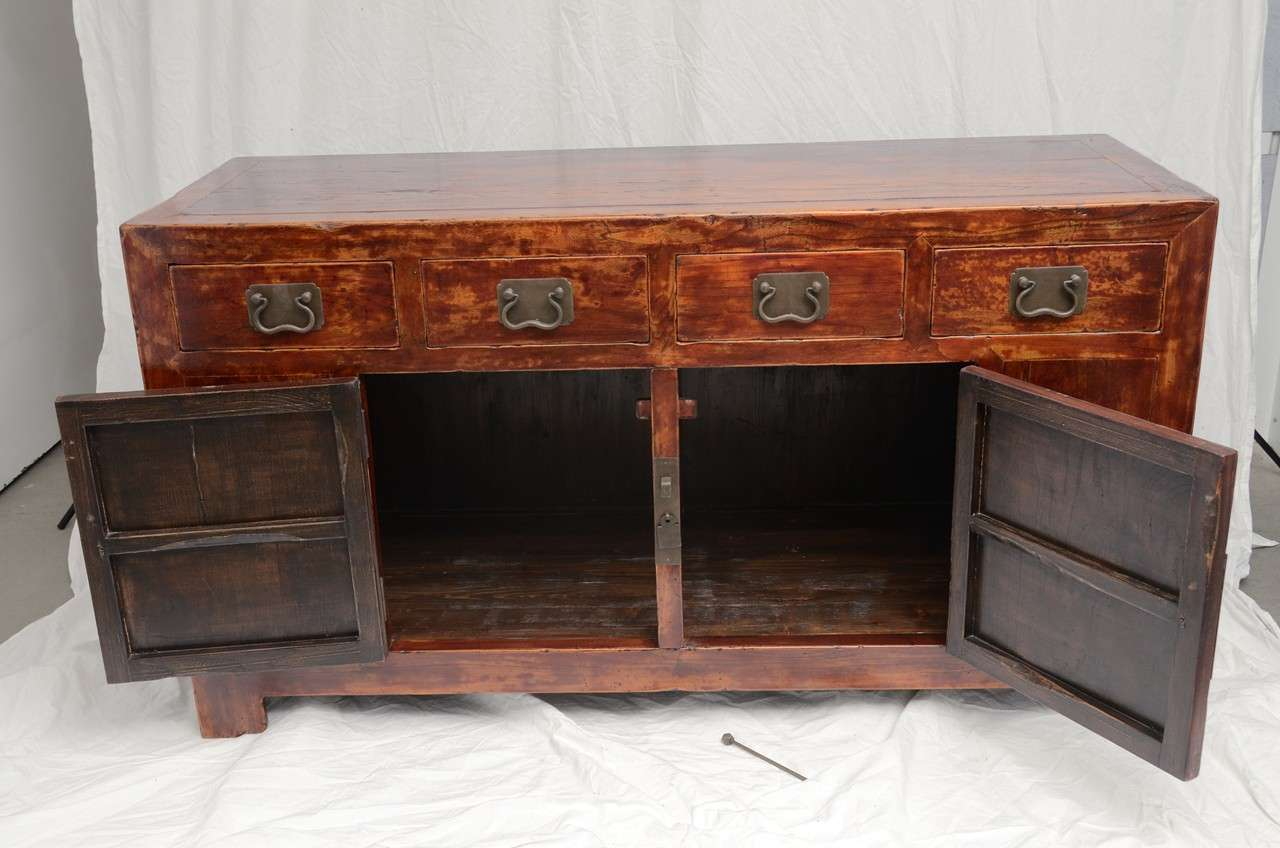 Early 19th Century Qing Dynasty Beijing Four-Drawer Southern Elm Buffet 7