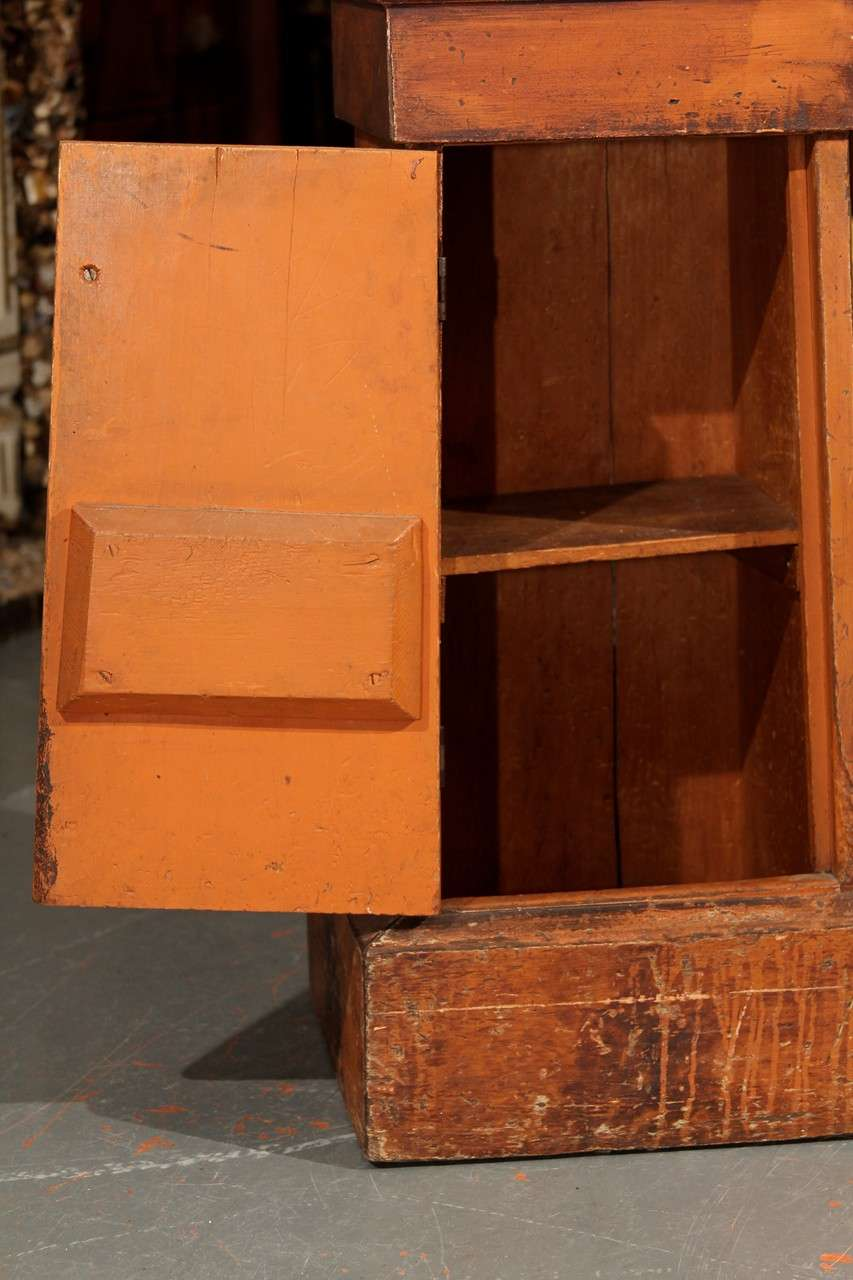Grain Painted Side Table / Pedestal  For Sale 1