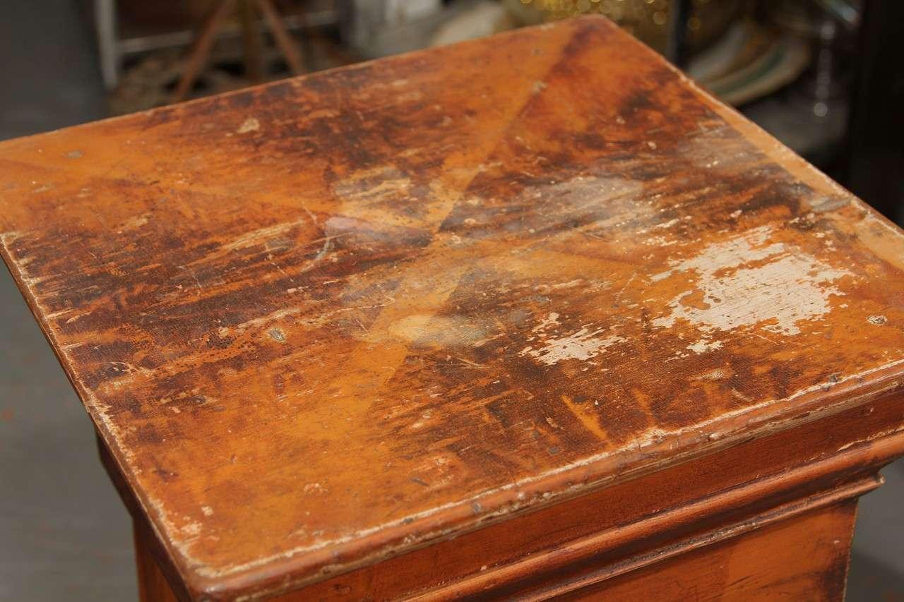 Grain Painted Side Table / Pedestal  7
