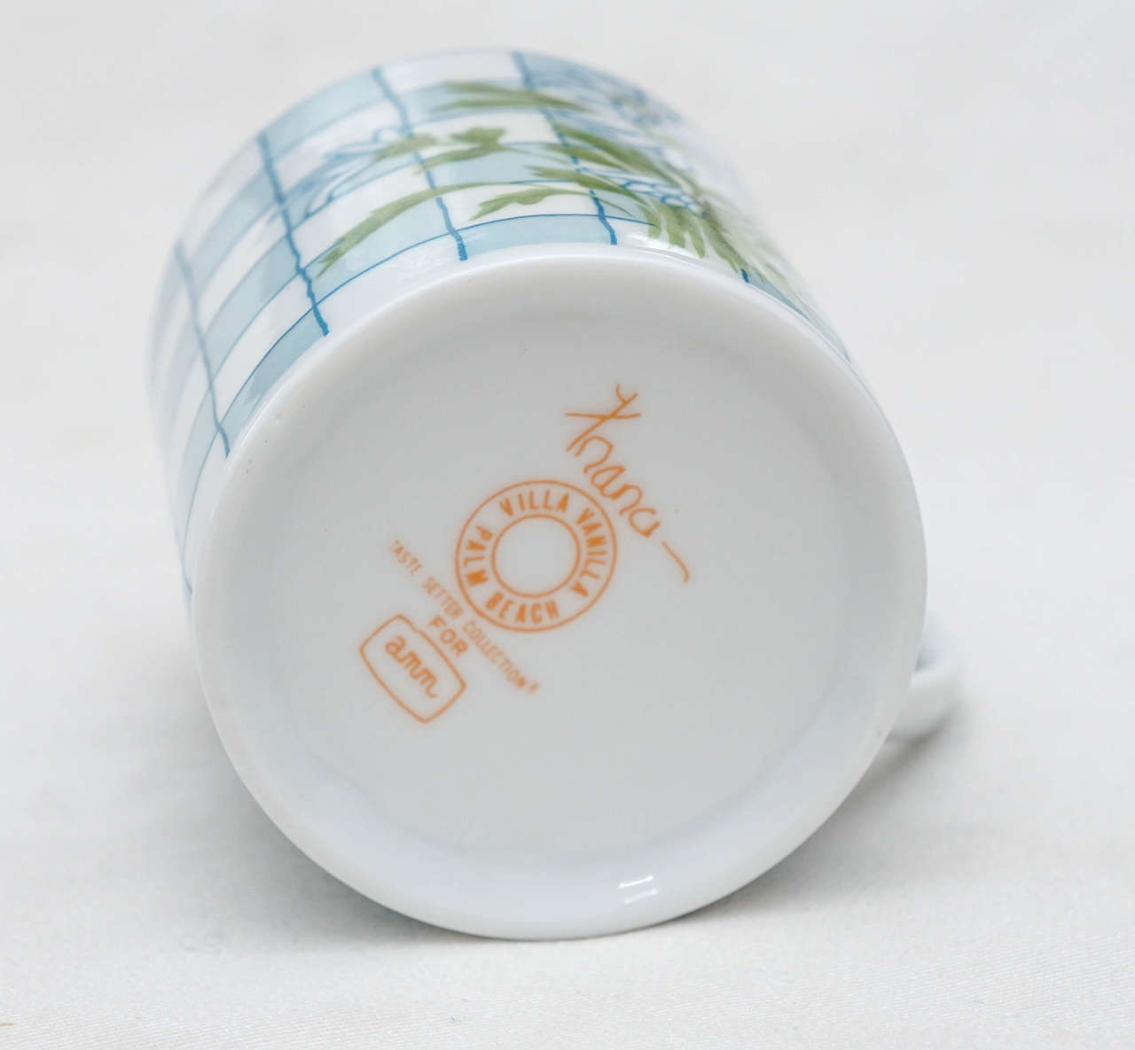 20th Century Daisies and Checkerboard Decorated Porcelain Breakfast Set For Sale