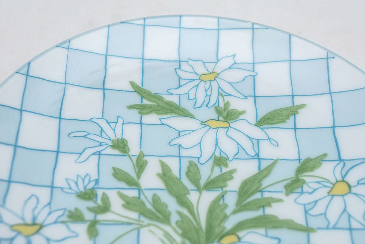 Daisies and Checkerboard Decorated Porcelain Breakfast Set For Sale 2