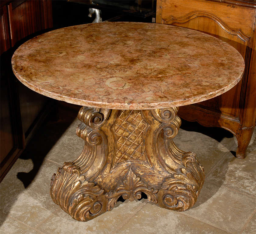 Mid-20th Century Italian Carved Giltwood Pedestal Table with Marble Top For Sale 12