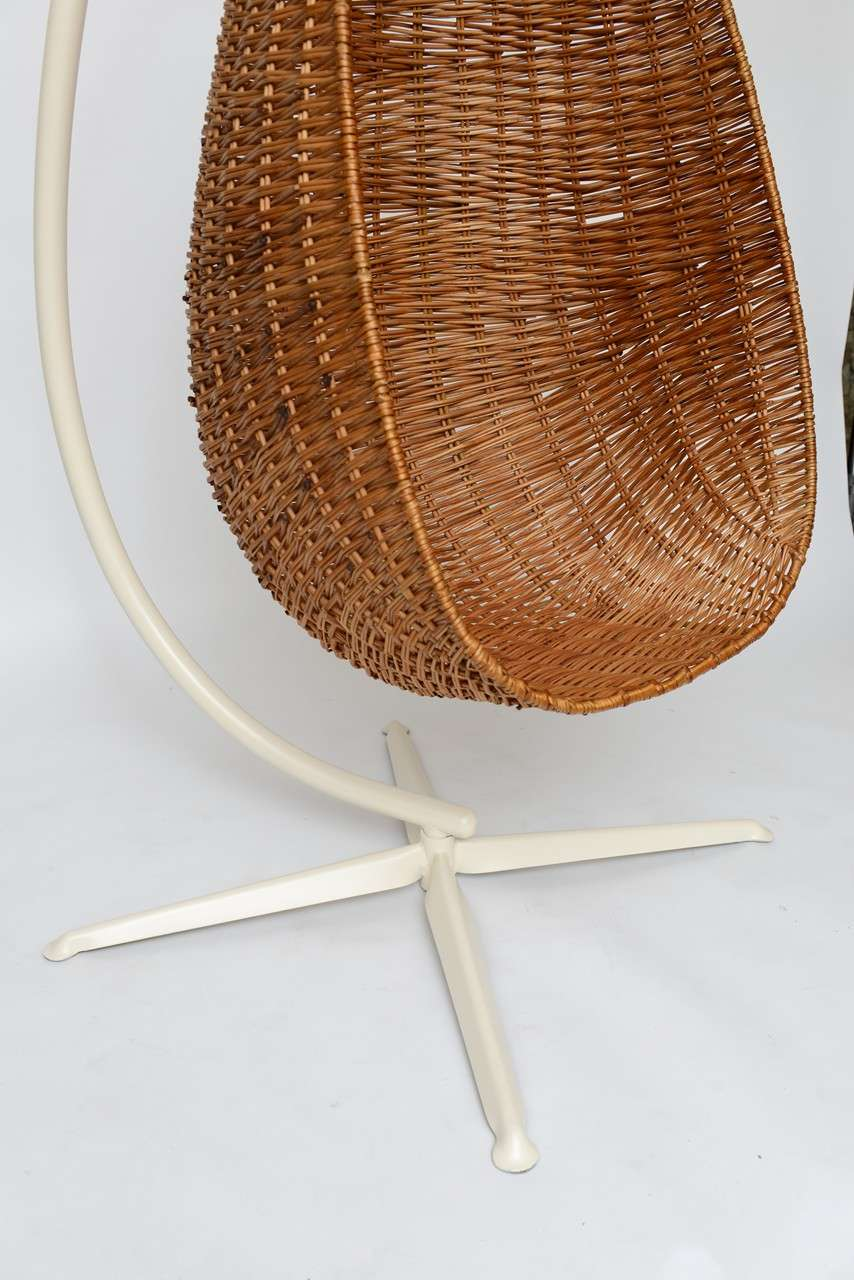 Hanging Wicker Egg Chair Image 9
