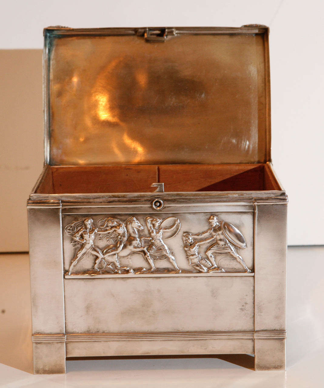 20th Century Italian Art-Deco Humidor For Sale