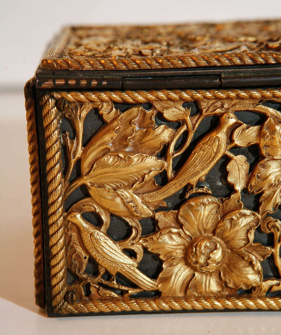 19th Century Gilt Bronze Humidor For Sale 2