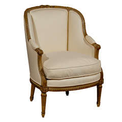 French Louis XVI Style Barrel Back Beechwood Bergère Chair from the 19th Century