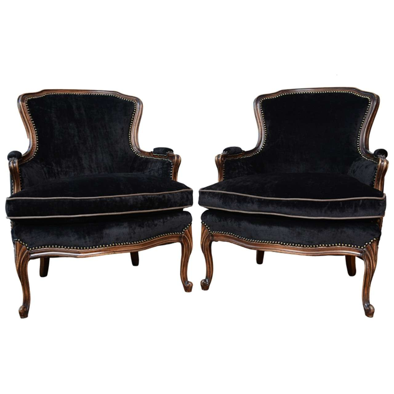 French Vintage Pair of Louis XV Bergere Chairs at 1stdibs