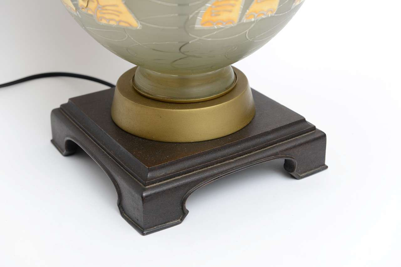 American Fun Waylande Gregory Style Gilt Elephants Glass Table Lamp For Sale
