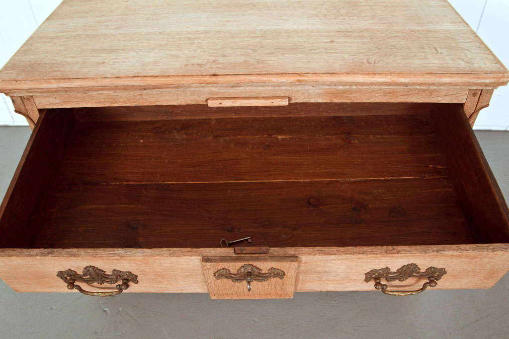19th Century Belgian Hand-Carved Oak Commode For Sale 7