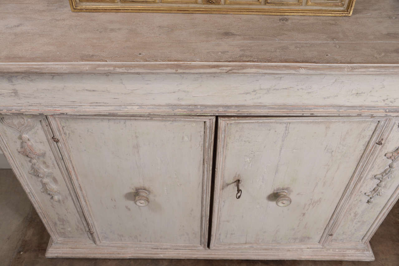 18th Century Carved Italian Buffet For Sale 1