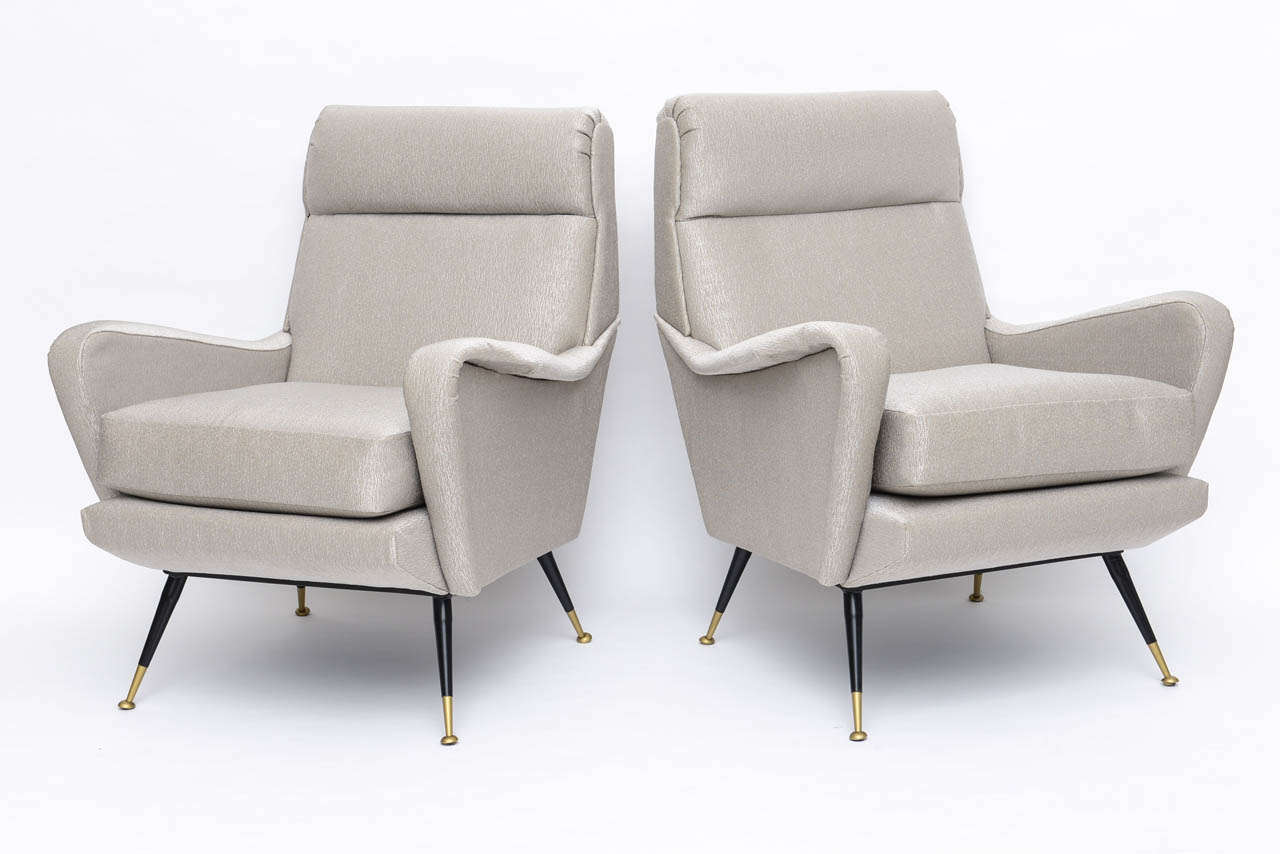 Mid-Century Modern Pair of Italian Brass Enameled and Upholstered Armchairs, Style Carlo de Carli For Sale