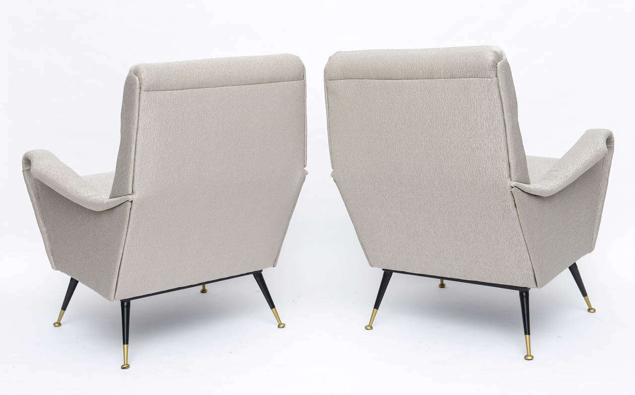 Pair of Italian Brass Enameled and Upholstered Armchairs, Style Carlo de Carli For Sale 1