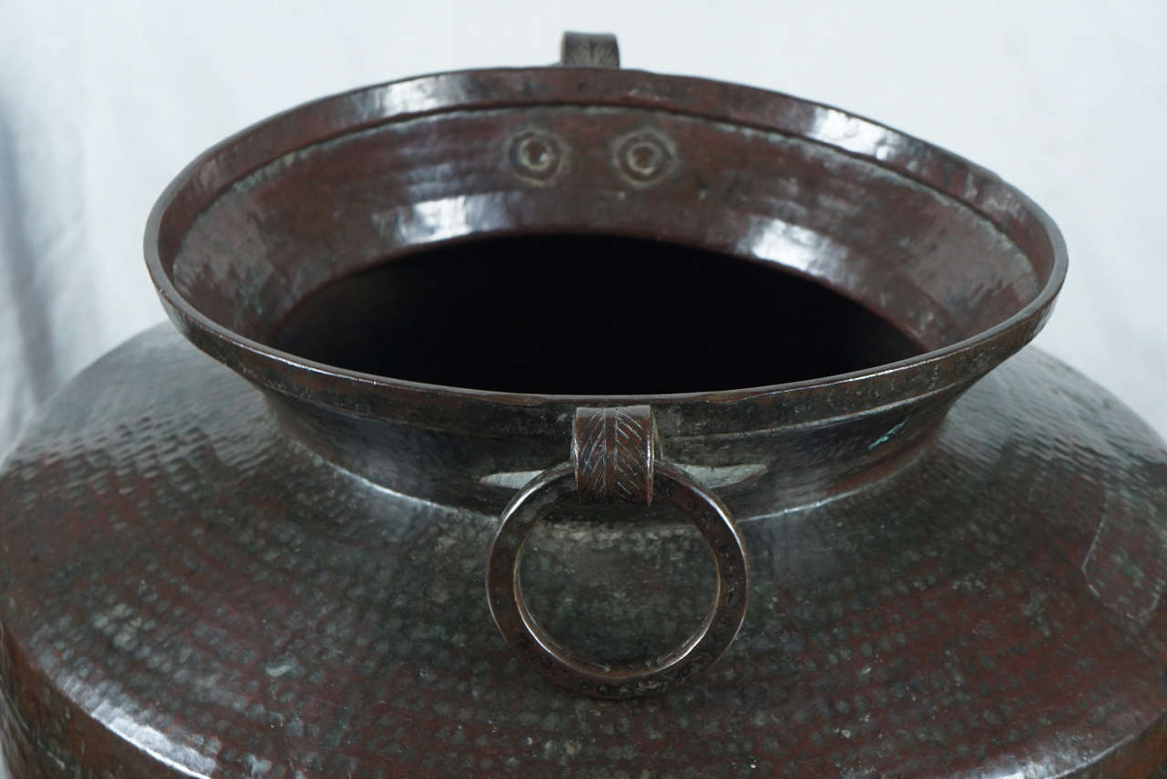 19th Century Large Copper Pots with Articulated Hoop Handles For Sale 3