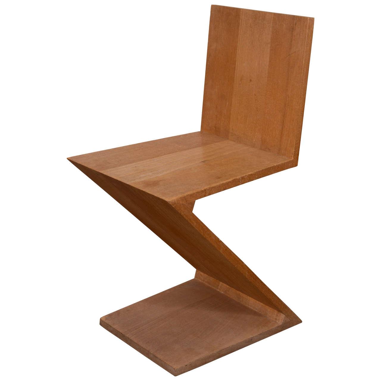 Gerrit rietveld zigzag chair design history 2009 chairs for Design stuhl zig zag