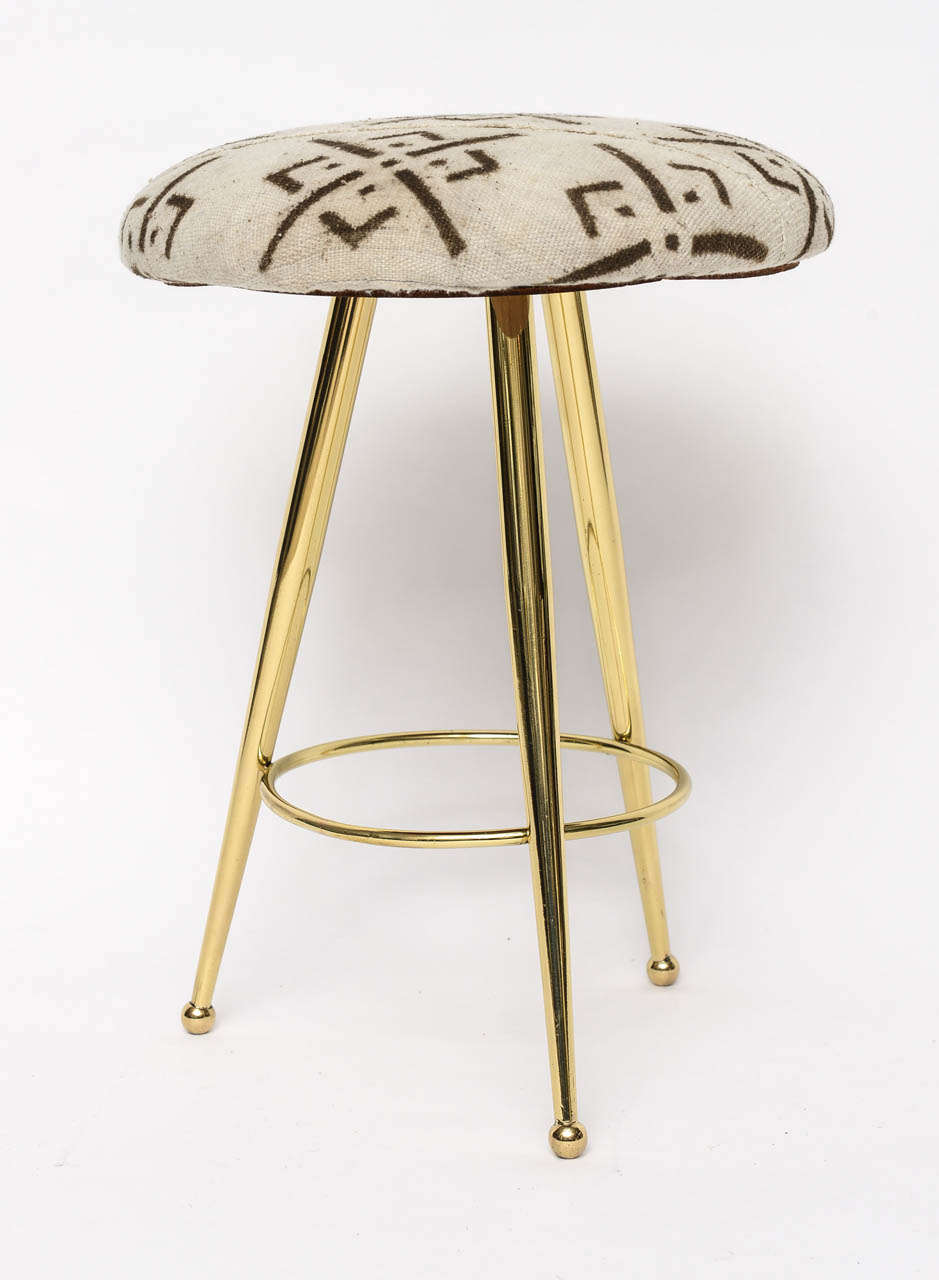 Pair of 50's Italian Brass Stools with Vintage Mud Cloth Upholstery In Excellent Condition For Sale In North Miami, FL