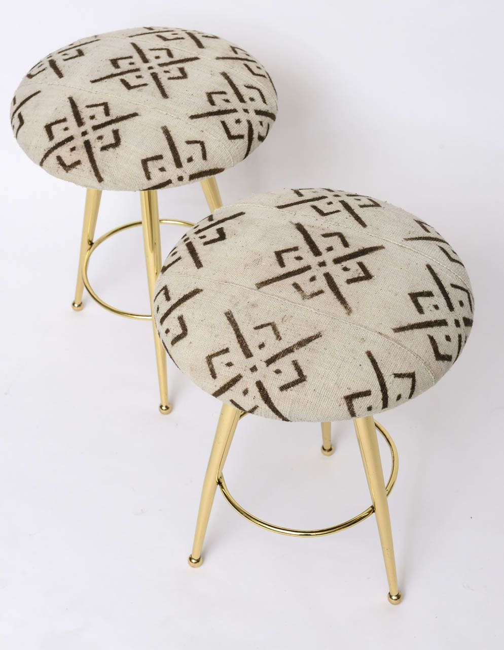 Pair of 50's Italian Brass Stools with Vintage Mud Cloth Upholstery For Sale 5
