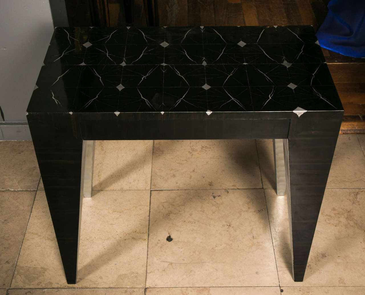 Modern pair of bedside tables at cost price For Sale