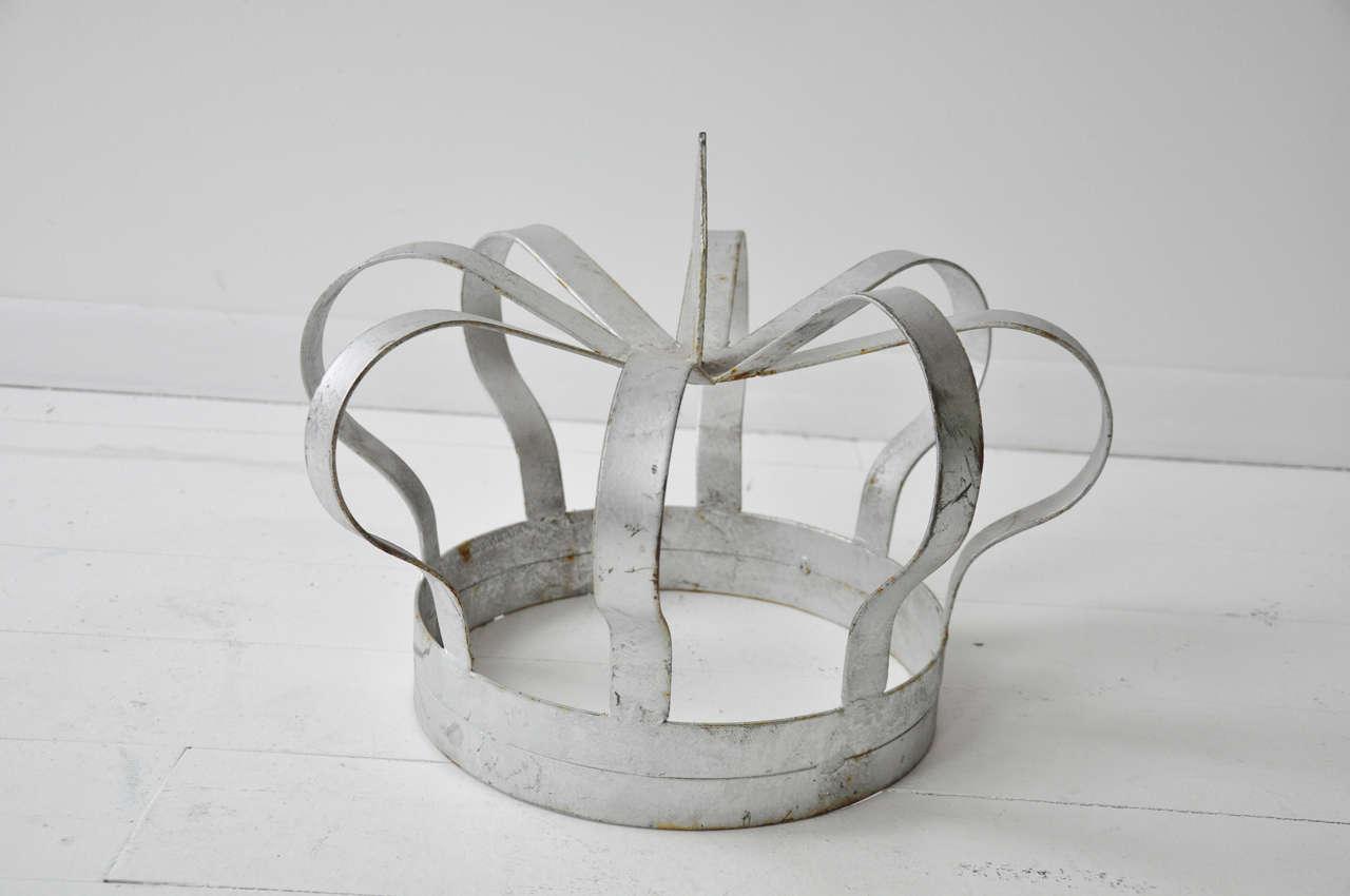 Antique Iron Crown 4