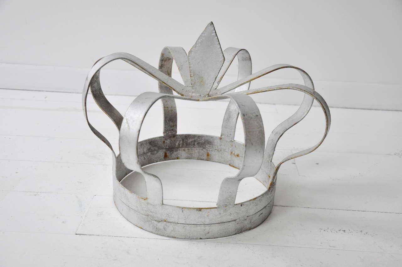 Antique Iron Crown 5
