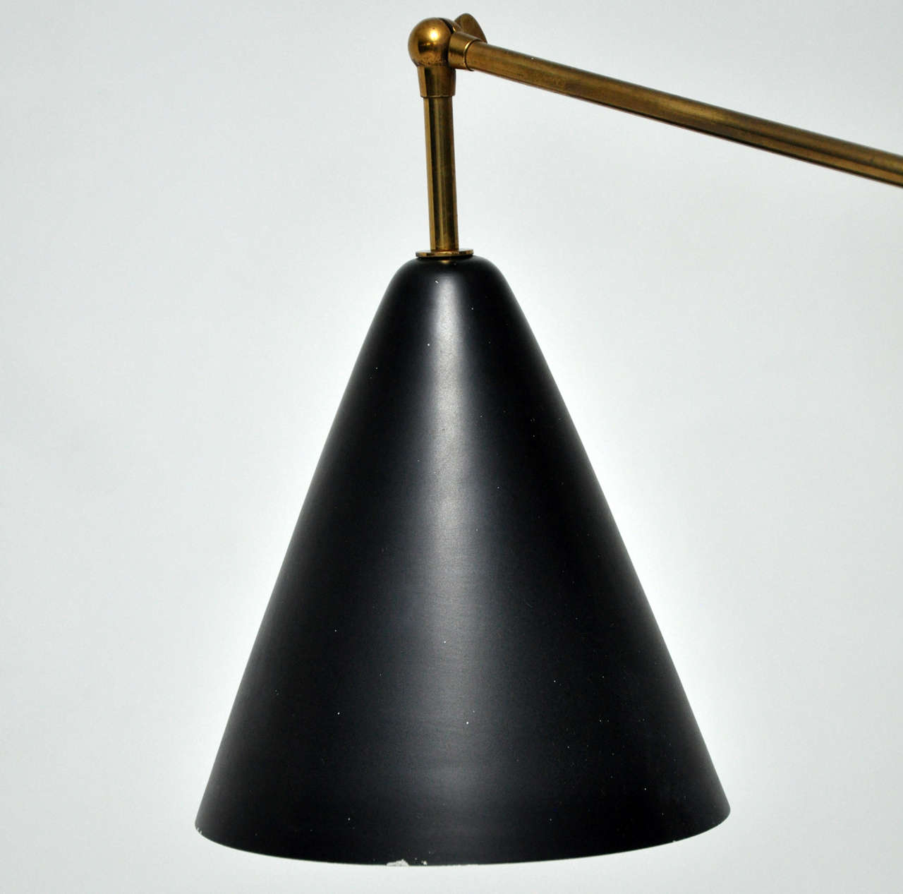 Early 195039s triennale brass floor lamp arredoluce at for 1950 s brass floor lamp