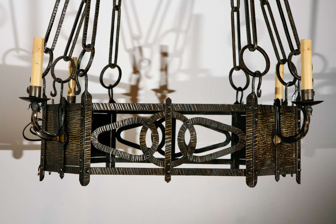 1920s French Chandelier In Excellent Condition For Sale In Los Angeles, CA
