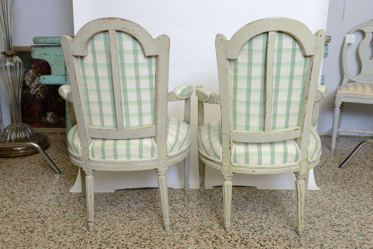 19th Century Pair of Antique Swedish Gustavian Painted Armchairs For Sale 2