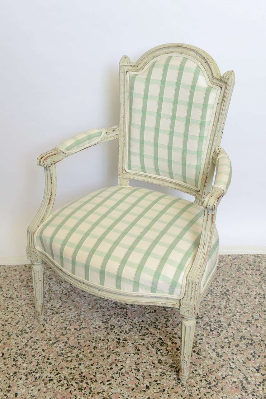 19th Century Pair of Antique Swedish Gustavian Painted Armchairs For Sale 3
