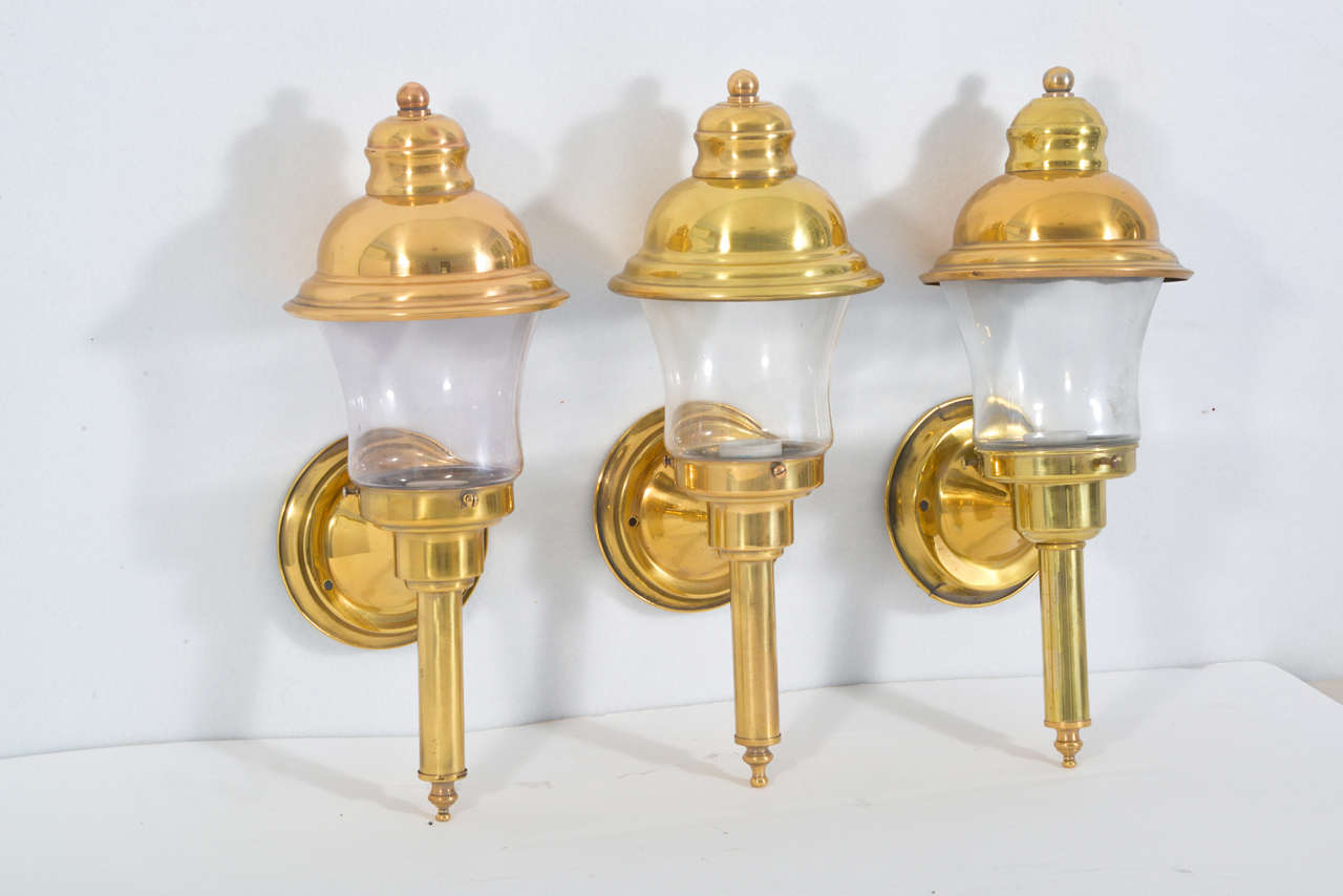 Colonial Electric Wall Sconces : American Colonial Wall Sconce For Sale at 1stdibs