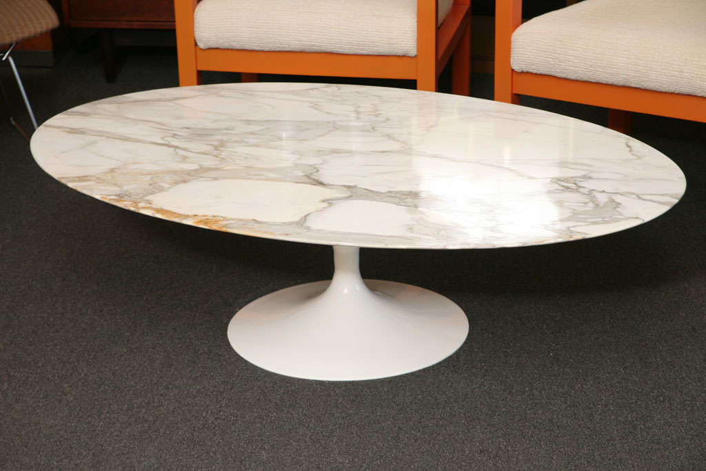 Early Saarinen Oval Tulip Coffee Table Calacatta D 39 Oro Marble At 1stdibs