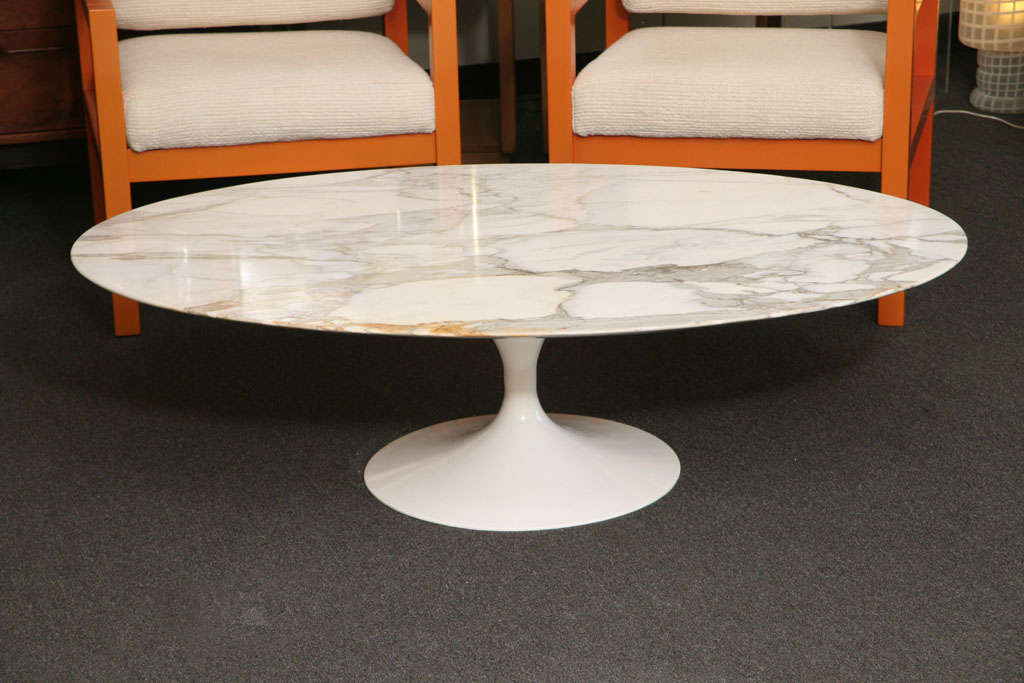 Early Saarinen Oval Tulip Coffee Table Calacatta DOro Marble at