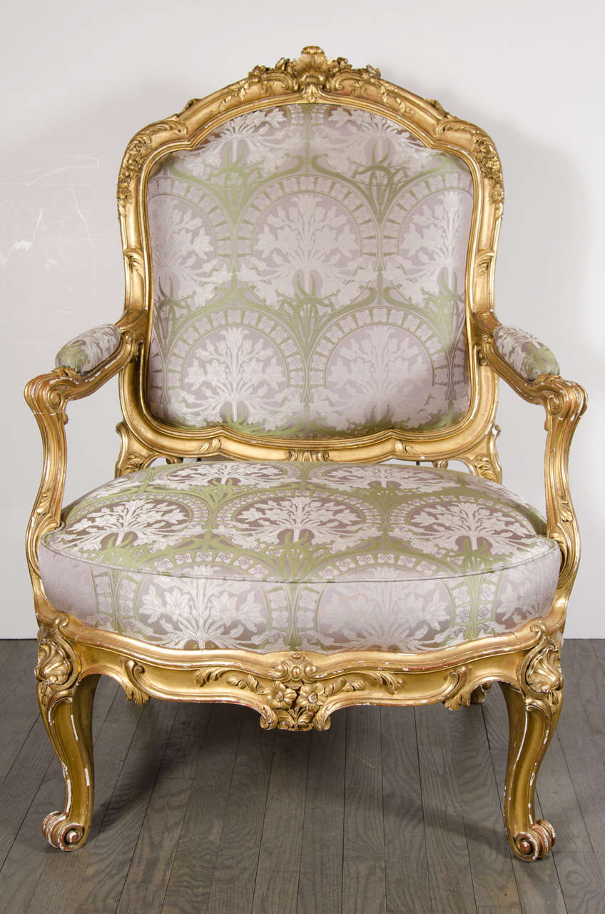 Exceptionnel Louis XVI Pair Of French Bergere Chairs And Ottoman In Gilded Wood And  Satin Upholstery For