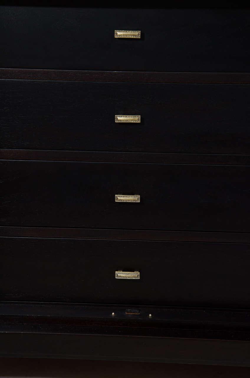 Mid-20th Century Elegant Credenza by Renzo Rutili For Sale