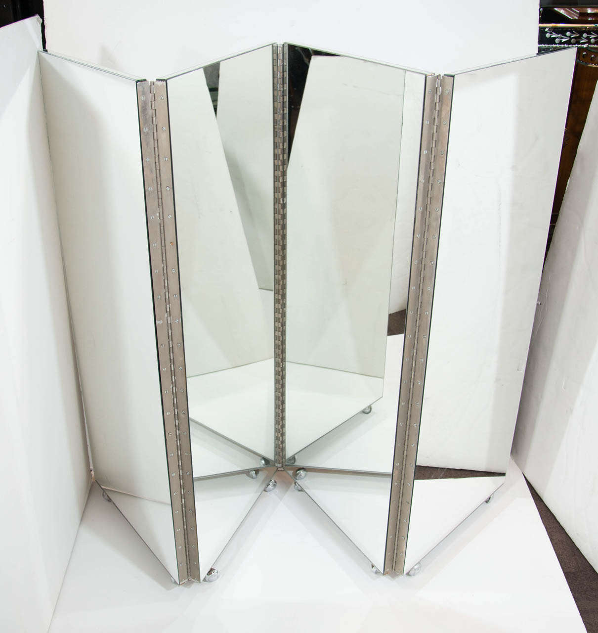 Vintage Mid Century Modern Four Panel Mirrored Screen and Room